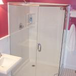 Neo angle shower with door